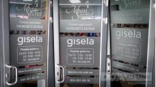Оформление двери магазина аппликацией из пленки с эффектом пескоструя